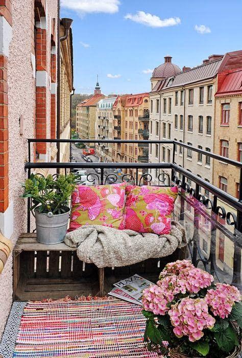 Balcony Alcove, Paris, France